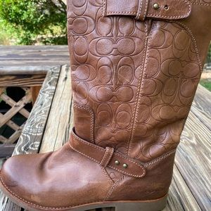 Coach Virginia Boots Size 10 light brown color